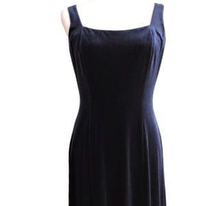 EUC Donna Morgan Petite Navy Velvet Formal Dress